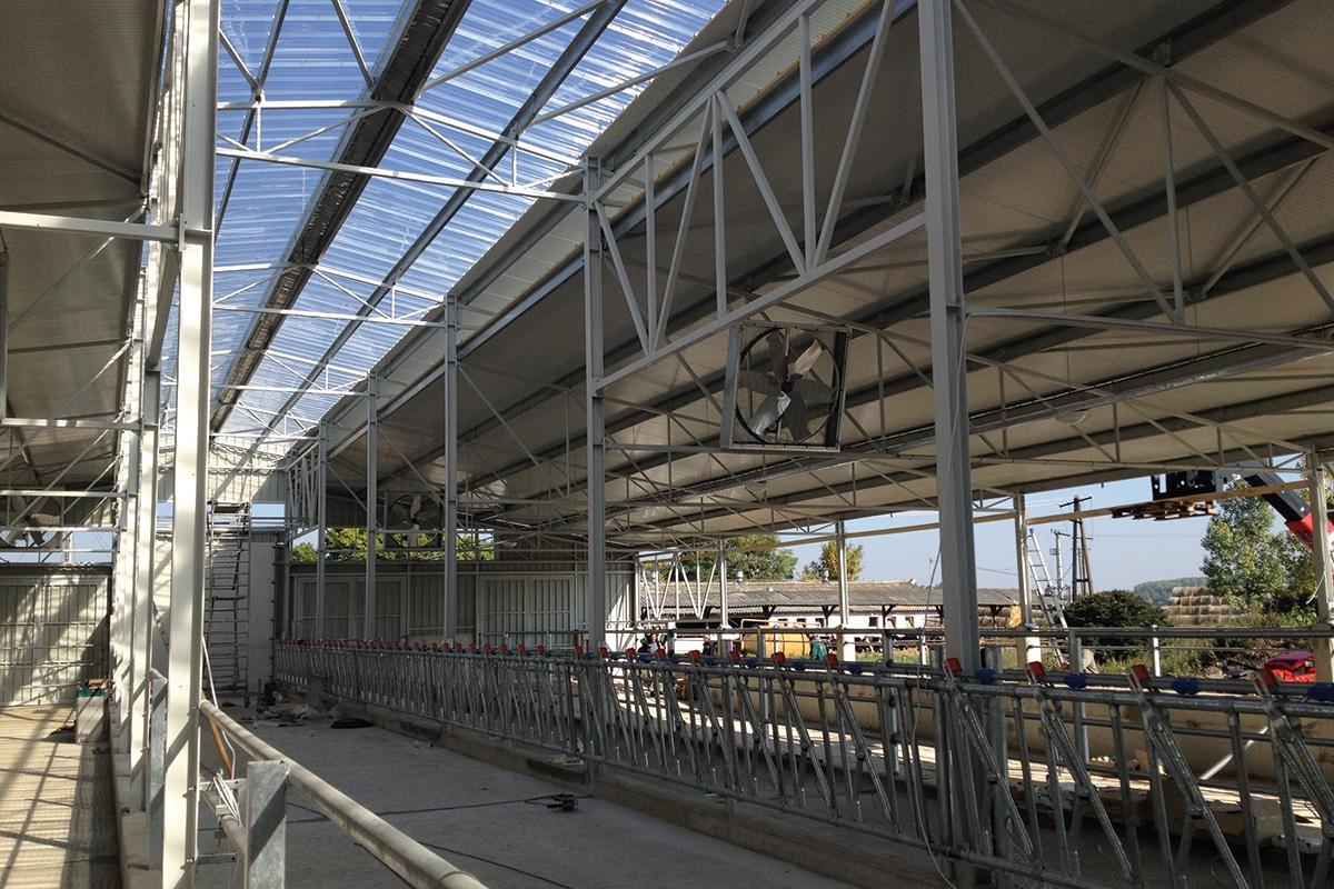 Akraplast bevilágító | mezőgazdasági épület | Győr